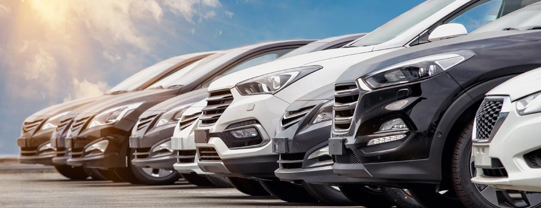 Autos in verschiedenen Lackfarben